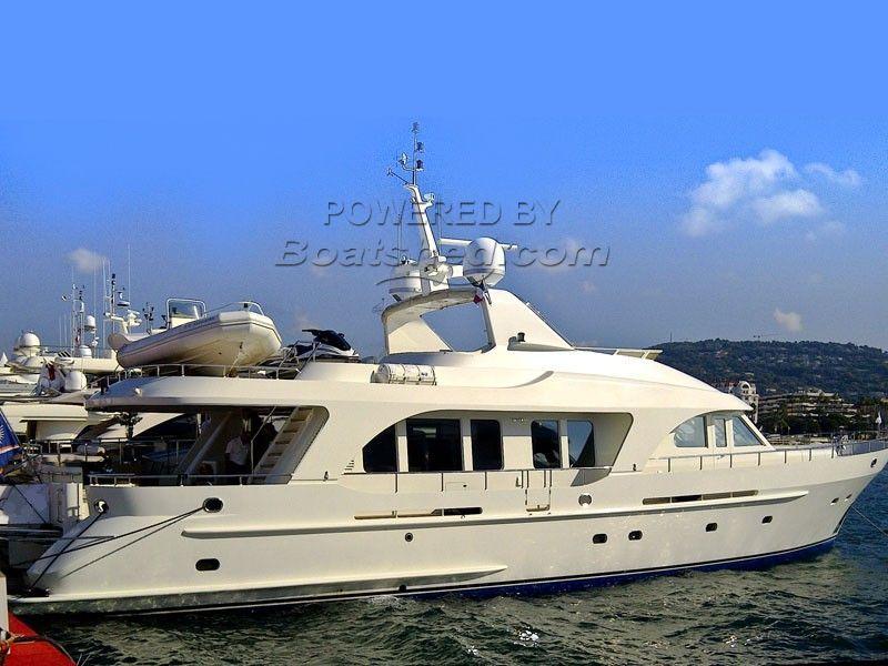 Moonen 84 Luxury Motor Yacht
