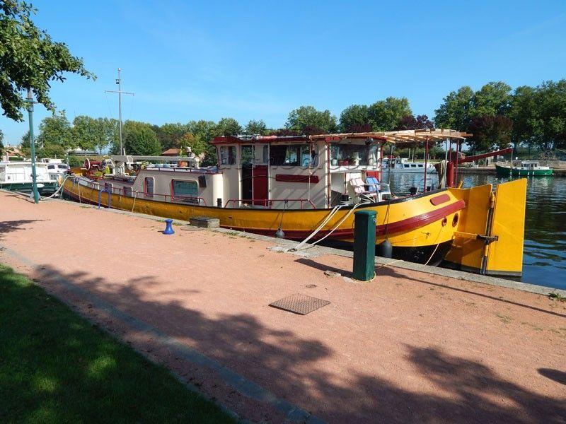 Dutch Tjalk Dutch Barge