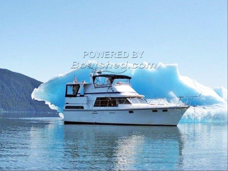 Lien Hwa 42 Sundeck Motoryacht Twin Diesels