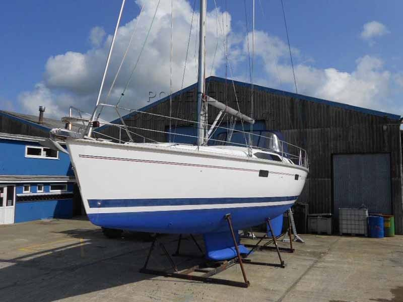 Hunter Legend 40.5 A Great Cruiser With Very Large Saloon Area