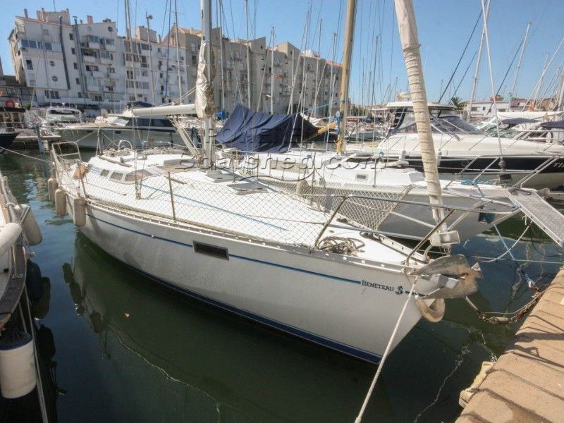 "Beneteau Oceanis 350 ""Owners"" Version"