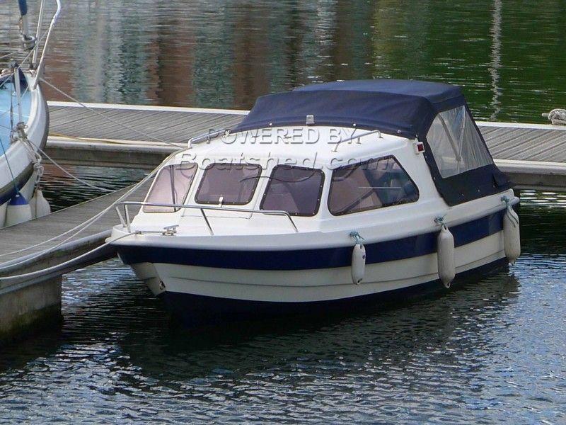 Poliglass Alka 420 Cuddy Day Boat