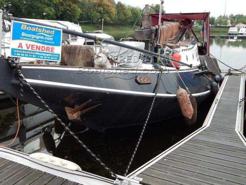 Dutch Sailing Barge SONDY Hoogaars