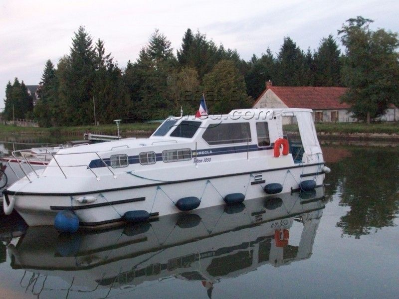 RECLA Triton 1050 One Owner, New Pictures To Be Soon Available