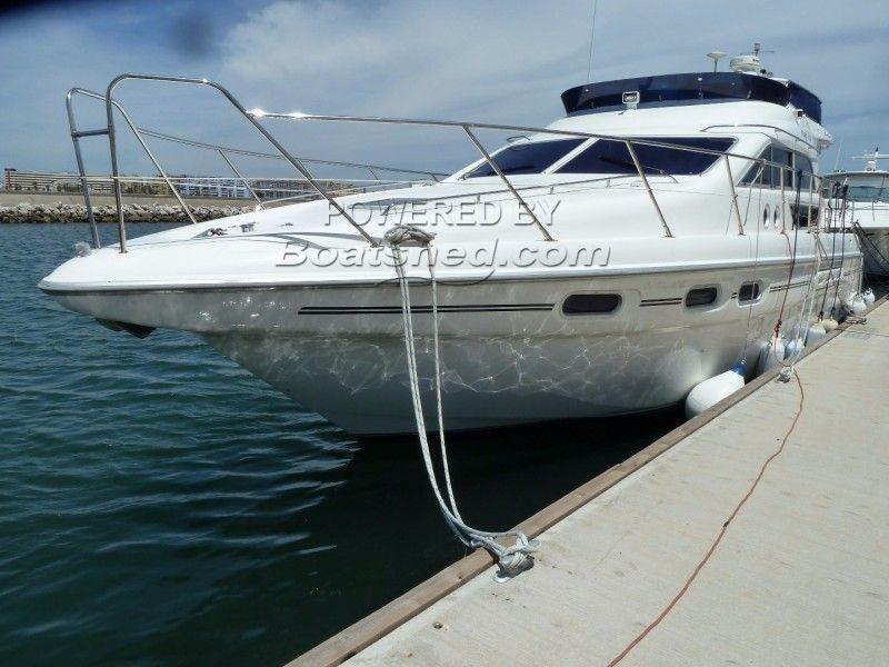 Sealine 420 Statesman Flybridge Cruiser