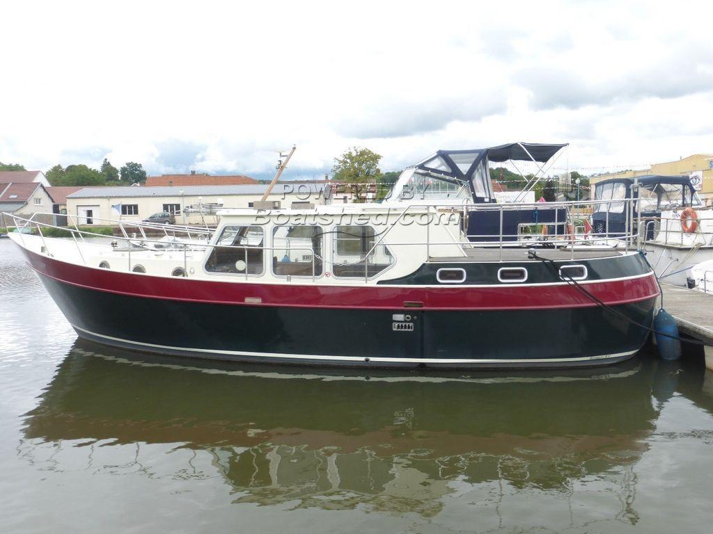 Live Aboard River Cruiser