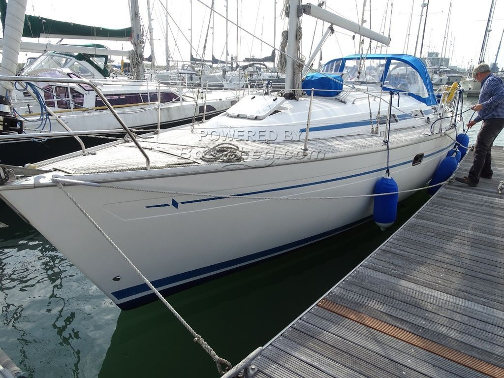 Bavaria 37 Owner Version
