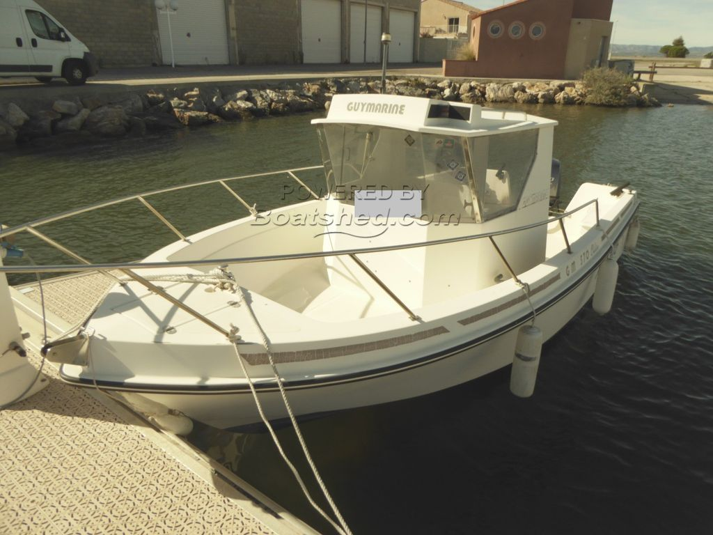 Guy Marine GM570