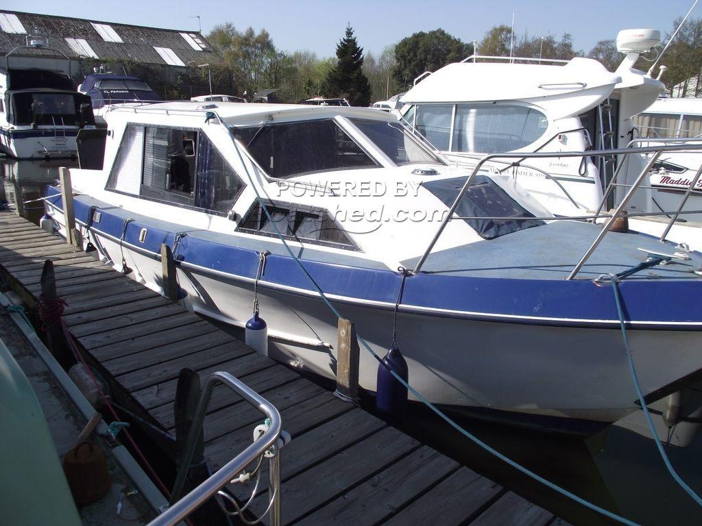 Aquabell 28 Sedan Style Cruiser