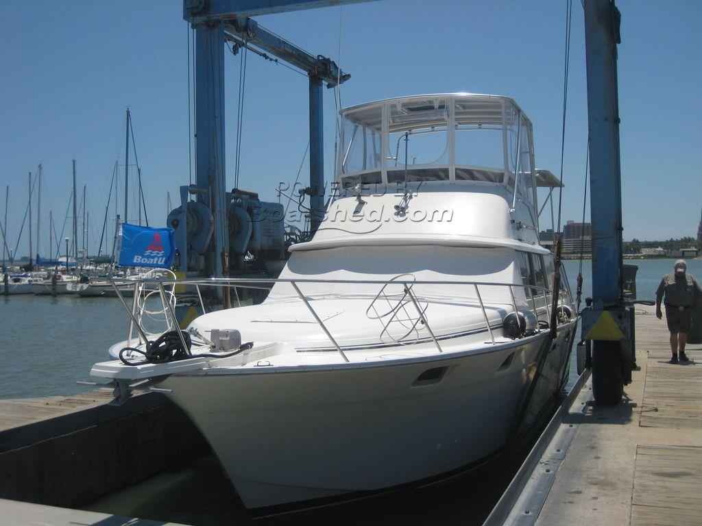 Silverton 40 Aft Cabin Motor Yacht