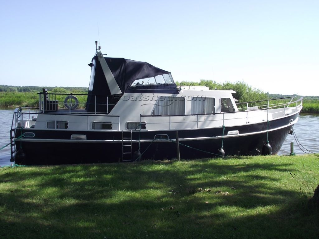 Dutch Steel Motor Cruiser 42 Foot