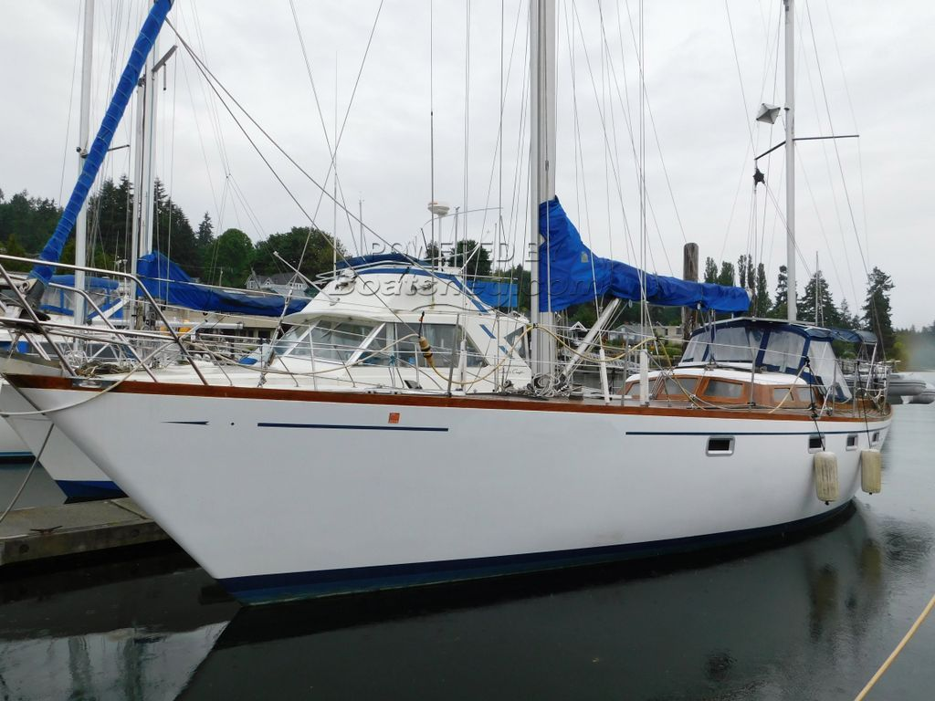 Luengen 43 Offshore Ketch Pilothouse Liveaboard Cruiser