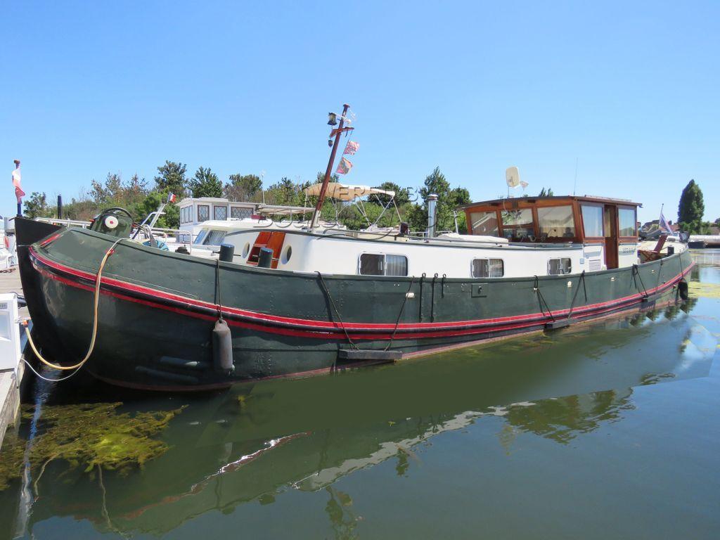 Dutch Tjalk Converted Barge