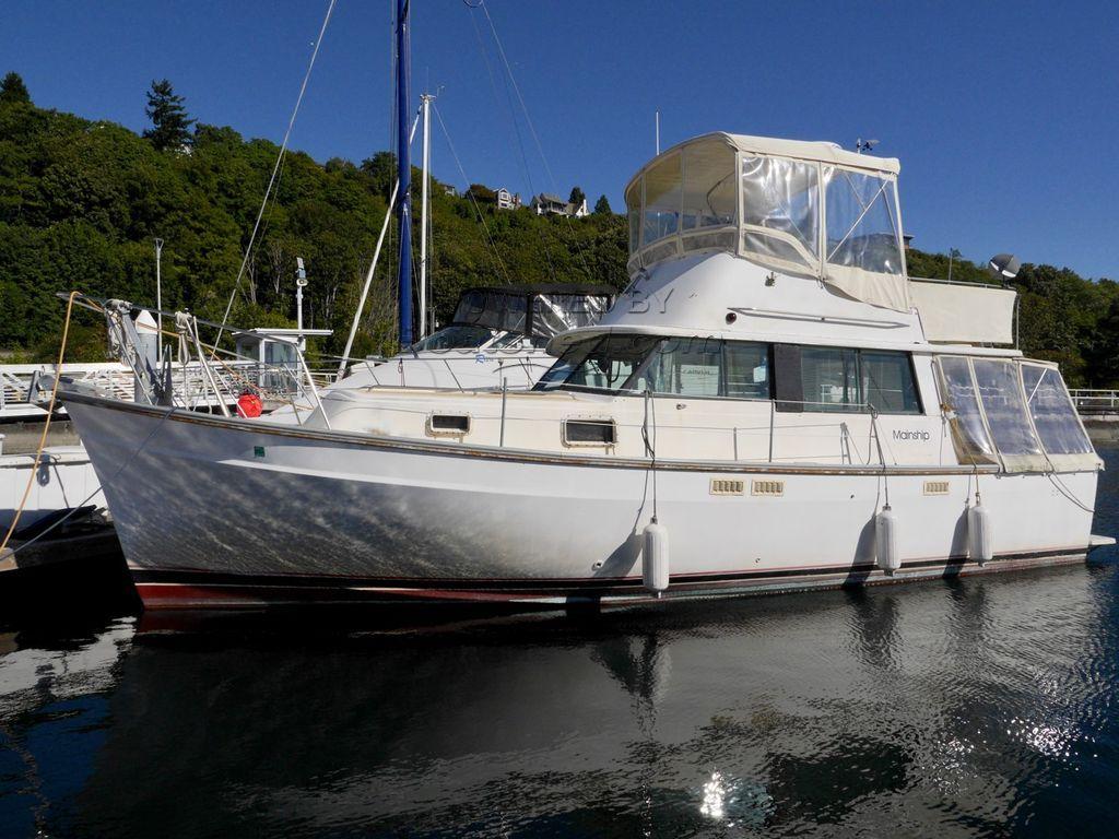 Mainship 34 Sedan Trawler