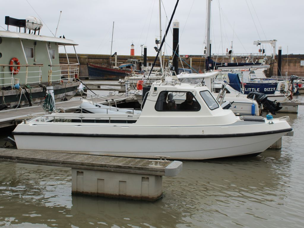 Pirate Boats 21 Cabin