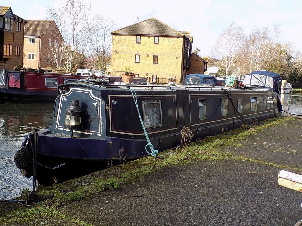 Narrowboat 55ft Cruiser Stern