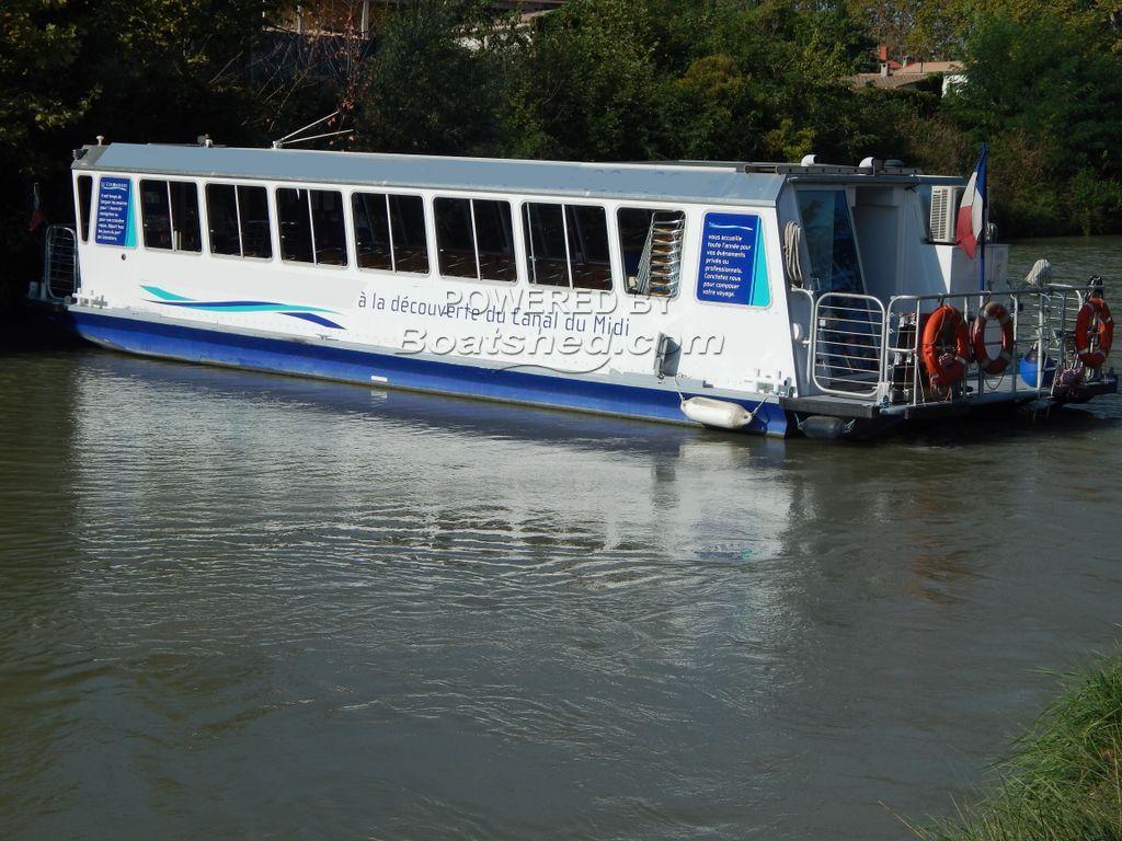 Trip Boat Passenger-restaurant Boat 72 Passagers Max.