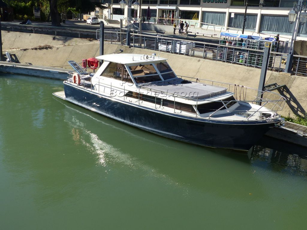 Chris-Craft Commander 38 Certified 12 Passenger Vessel