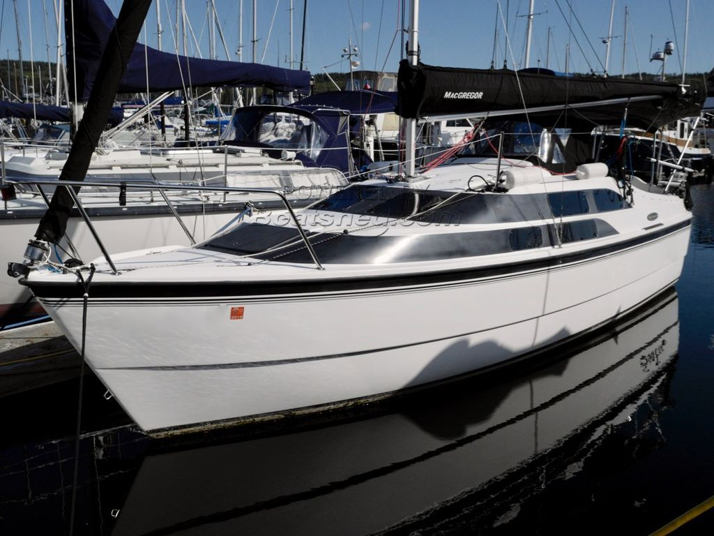 MacGregor 26M Power-Sailer