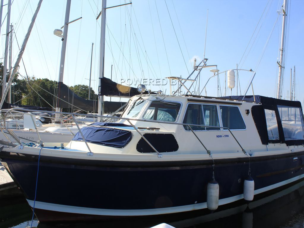 Aquastar 33 Aft Deck Sportranger