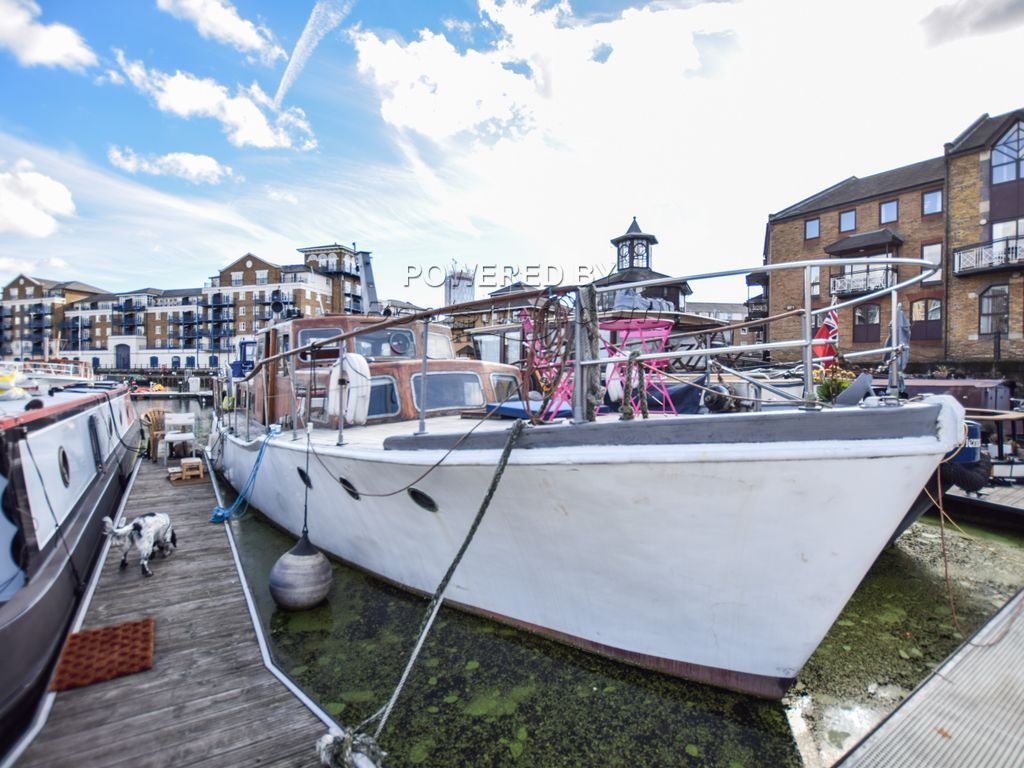 Motor Cruiser 42ft With London Mooring