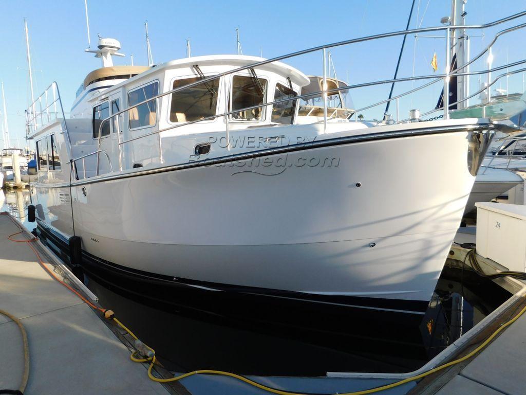 Helmsman Trawlers 43 Pilothouse