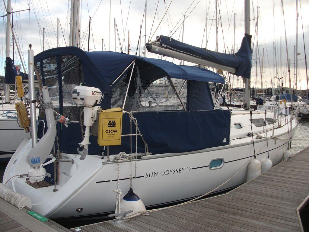 Jeanneau Sun Odyssey 37 2 Cabin