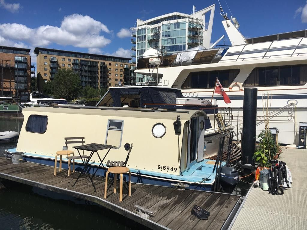 Houseboat 18ft With London Mooring