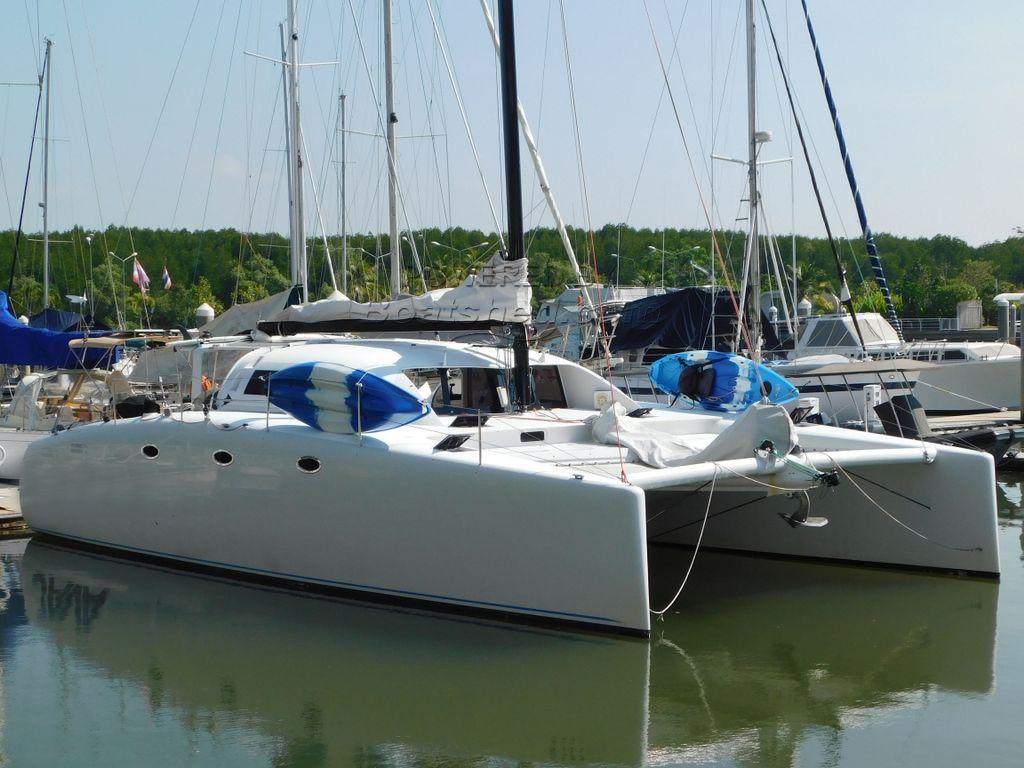 Stealth 11.8 Fast Cruising / Racing Catamaran