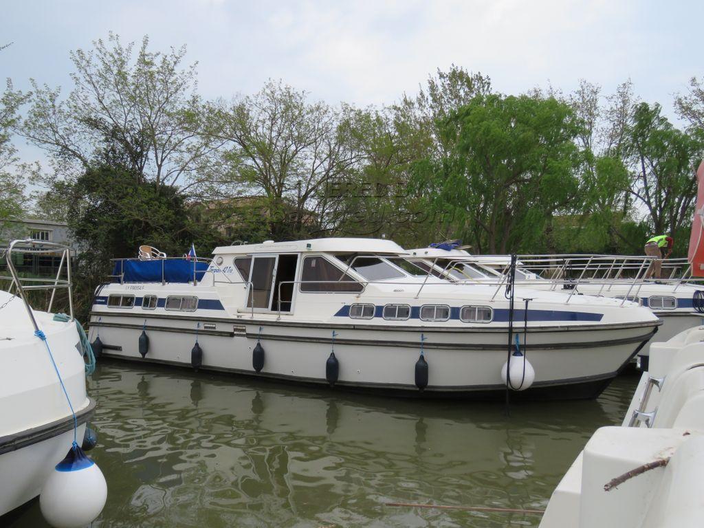 RECLA Tarpon 42 Ex Hire Cruiser