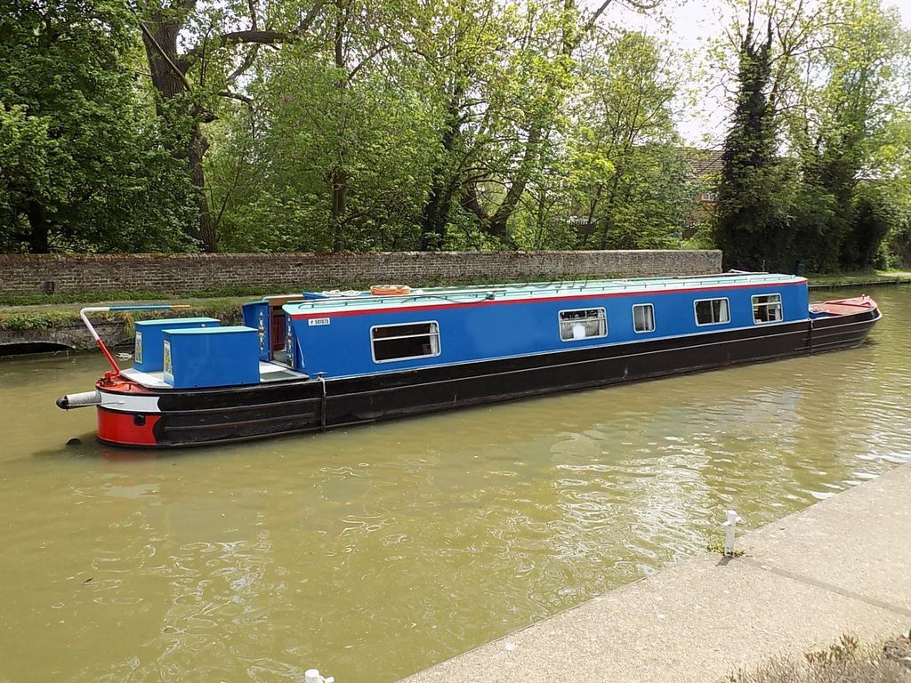 Narrowboat 69ft Semi Trad Used For Hire
