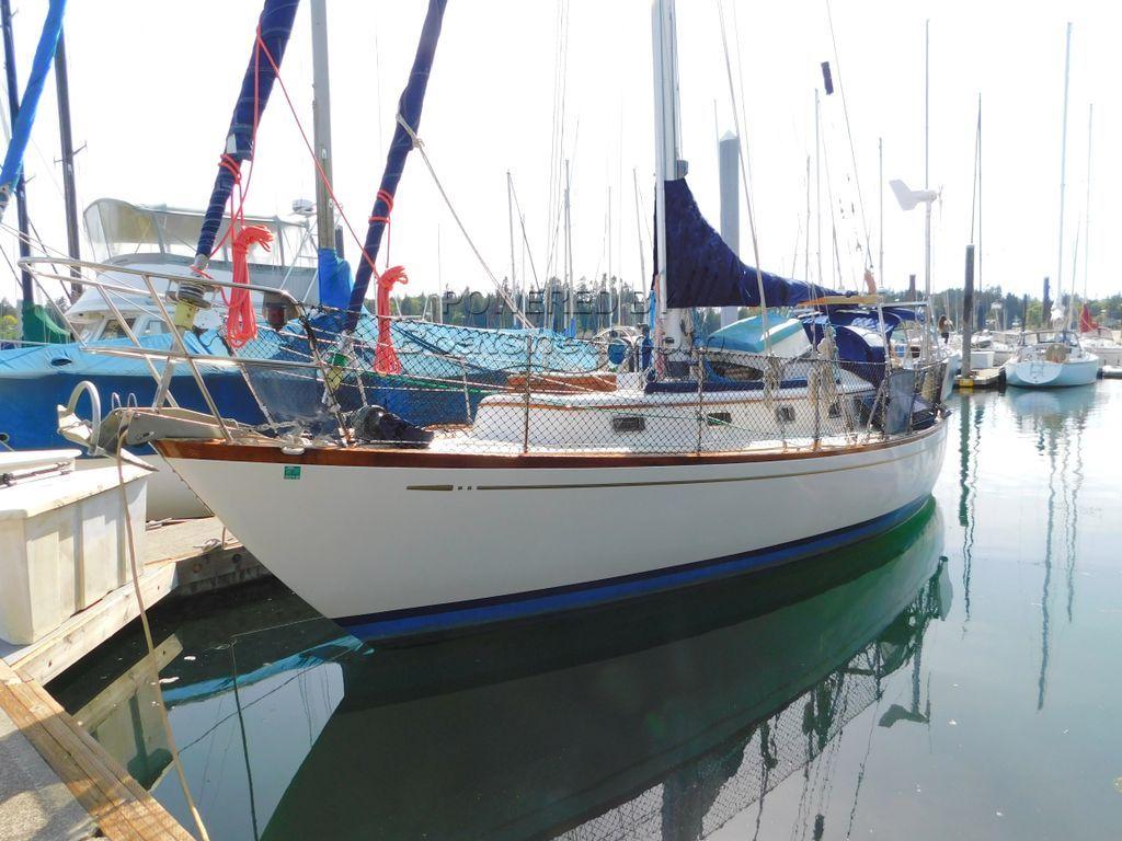 Mason  33 Offshore Cutter