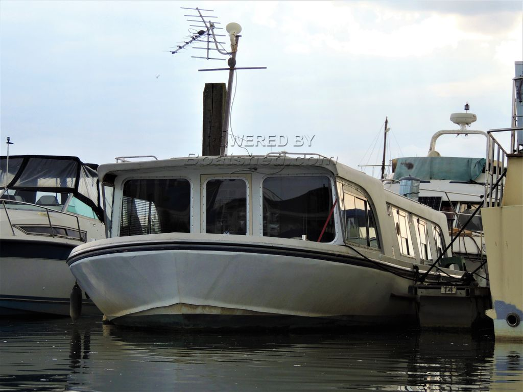 Broads Cruiser 42 Ft Livaboard