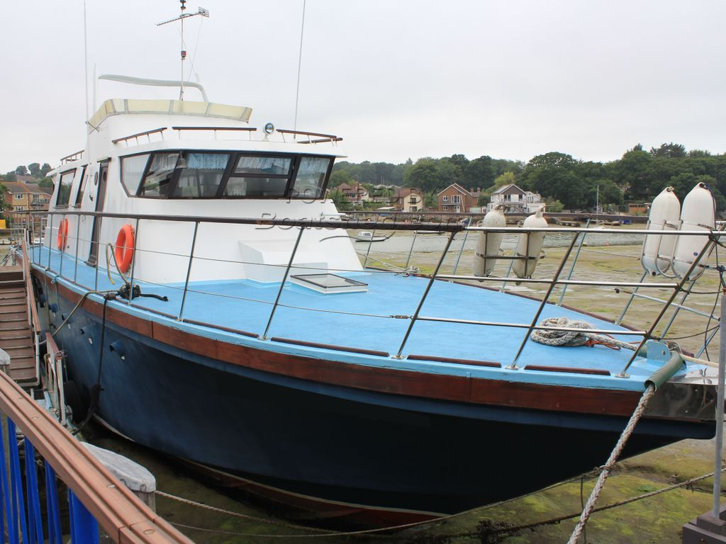 Houseboat Purpose Built 20m