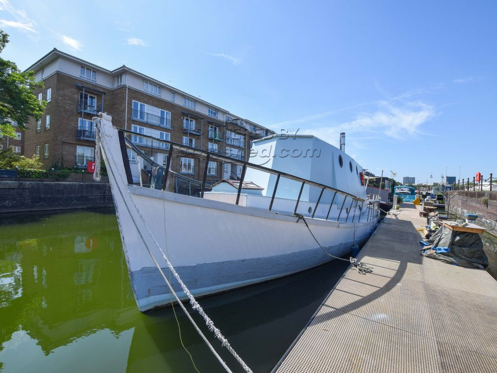 Houseboat 57ft With London Mooring