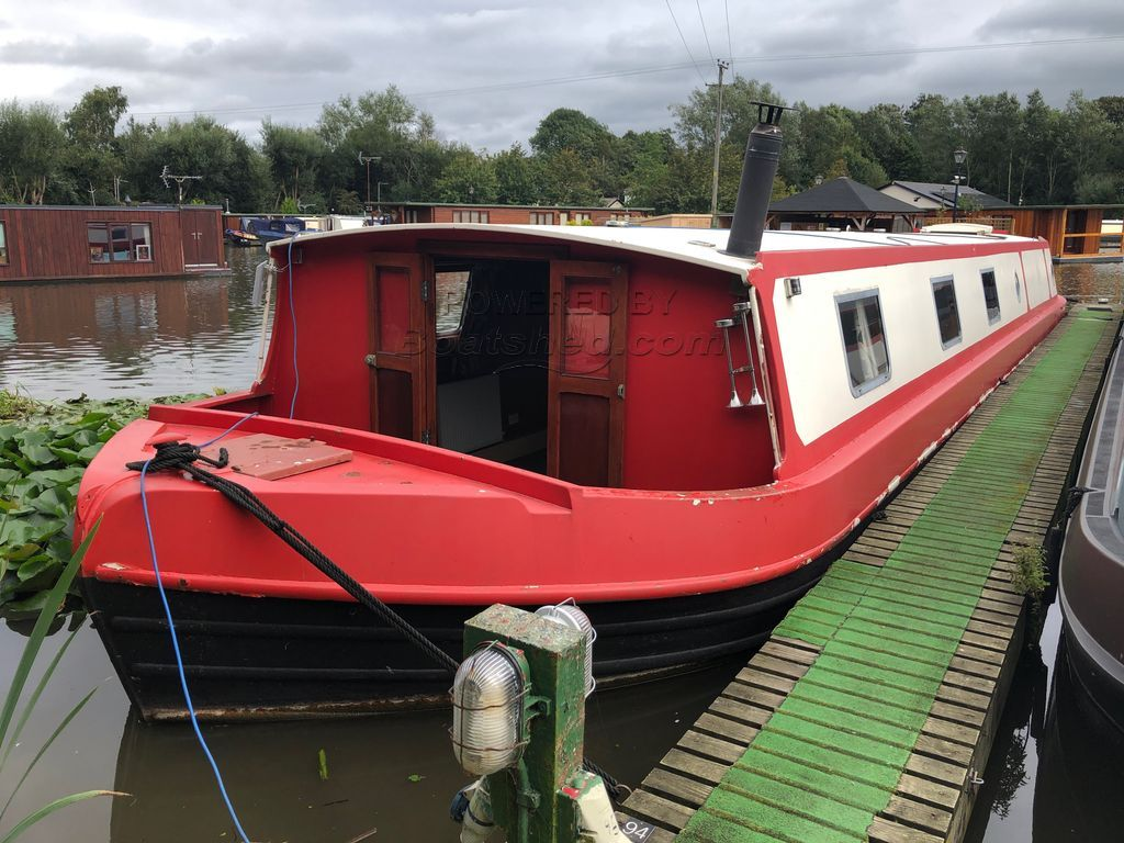 Wide Beam 60ft Trad Stern Two Bedrooms !!