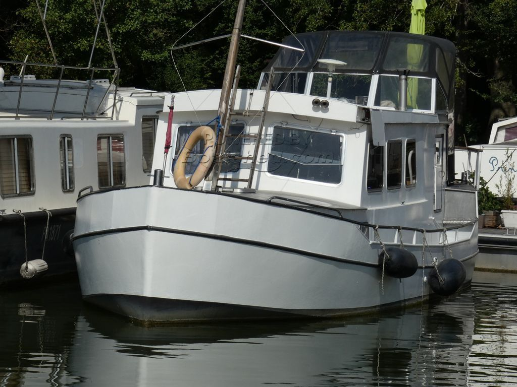 Dutch Steel Motor Cruiser 40 Dual Helm Position