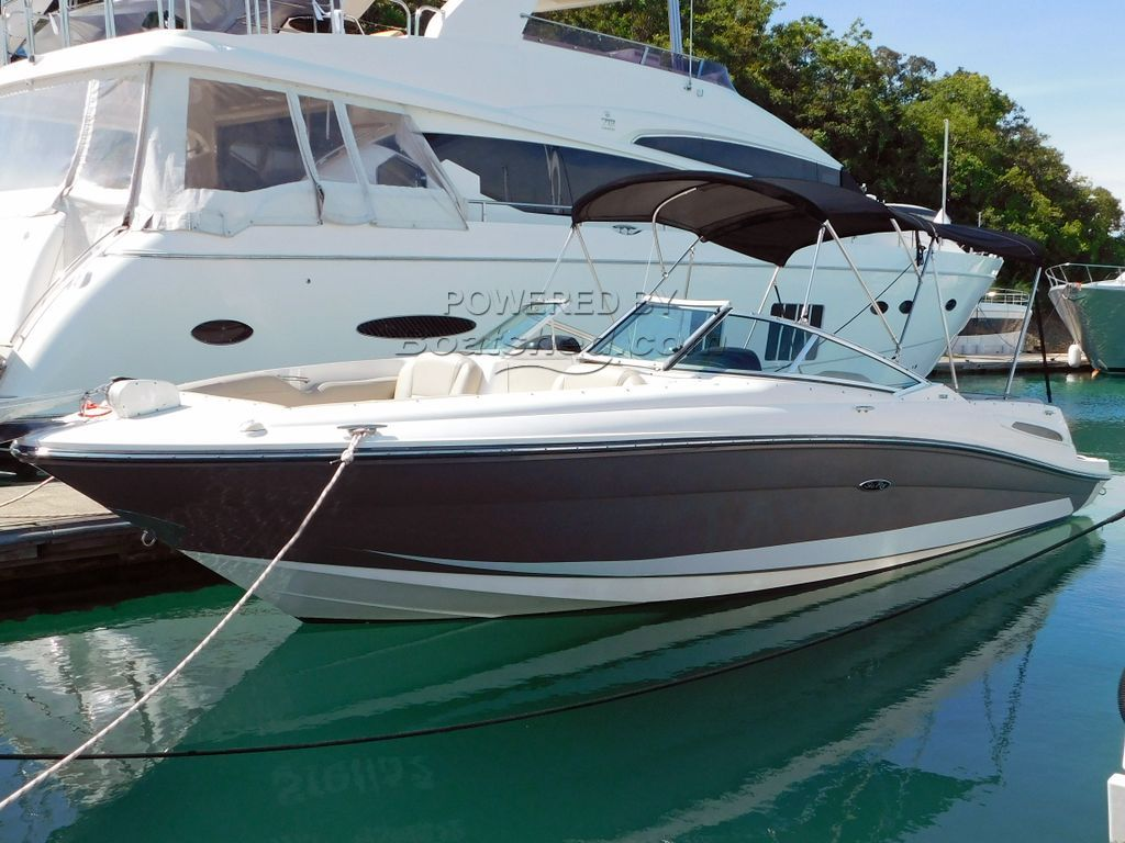 Sea Ray 250 SLX Bow Rider