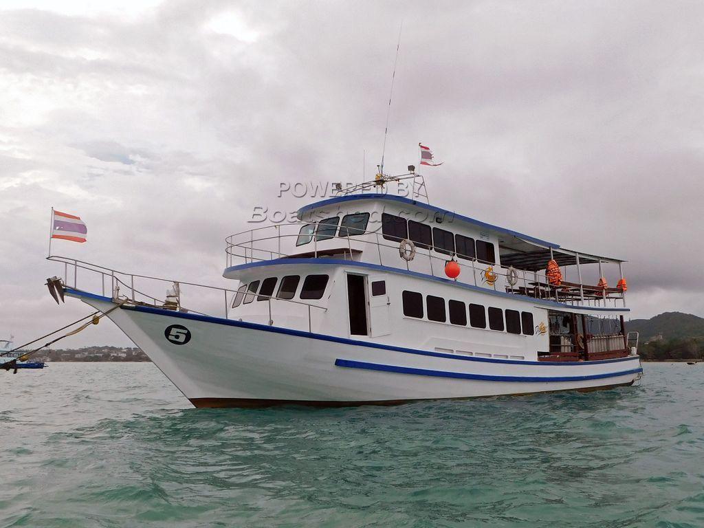 Dive Boat 21 M
