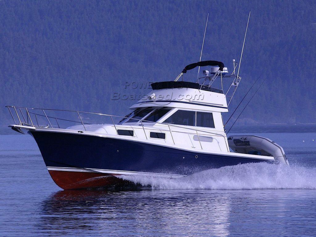 Norstar 302 Flybridge Sportfish Cruiser