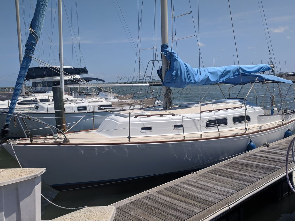 Pearson 33 Classic Sloop