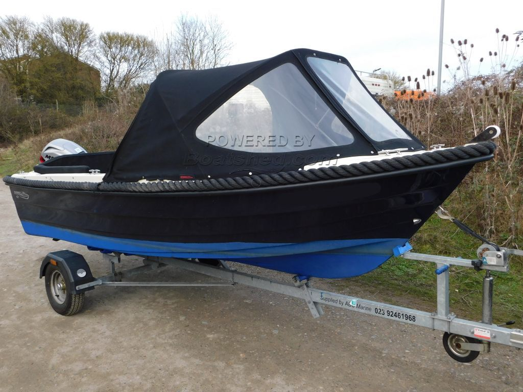 Mariner 421 Boat Is Like New, Easy To Tow!
