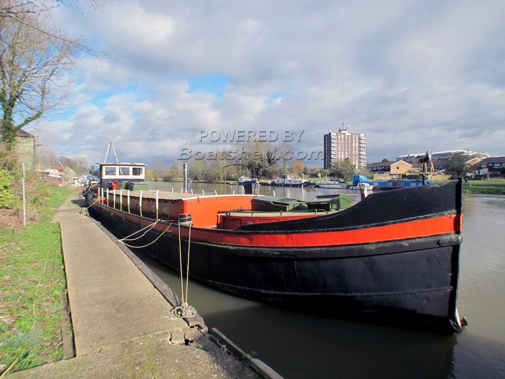 Dutch Barge 22m Luxemotor With London Mooring