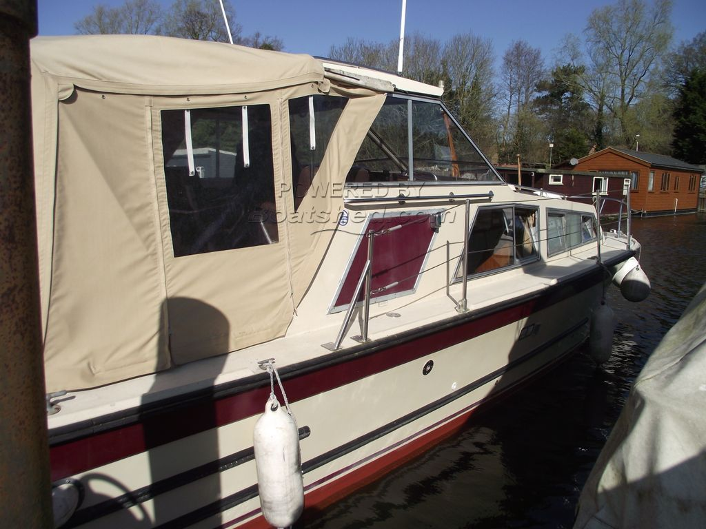 Freeman 27 Fitted By Moores Of Wroxham