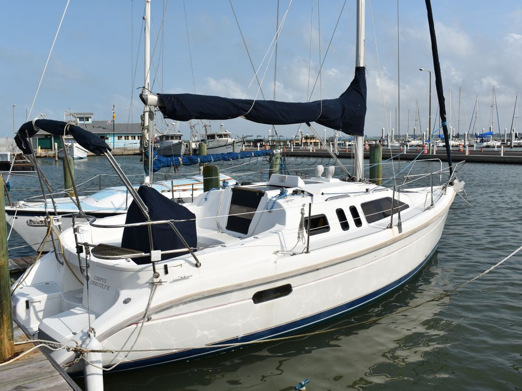 Hunter Hunter 29.5 Available For Co-Brokerage