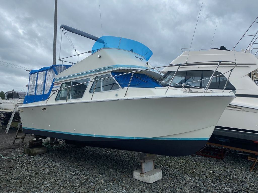 Tollycraft 26 Sedan Engine Rebuilt; Many Upgrades
