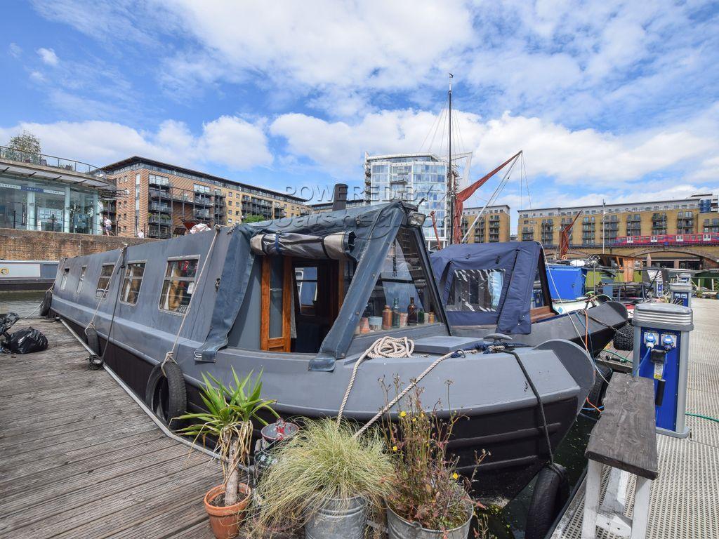 Narrowboat 42ft With London Mooring