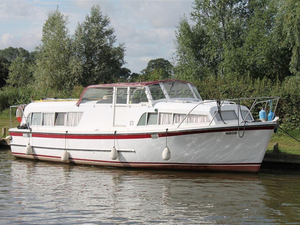 Broom 30 Skipper