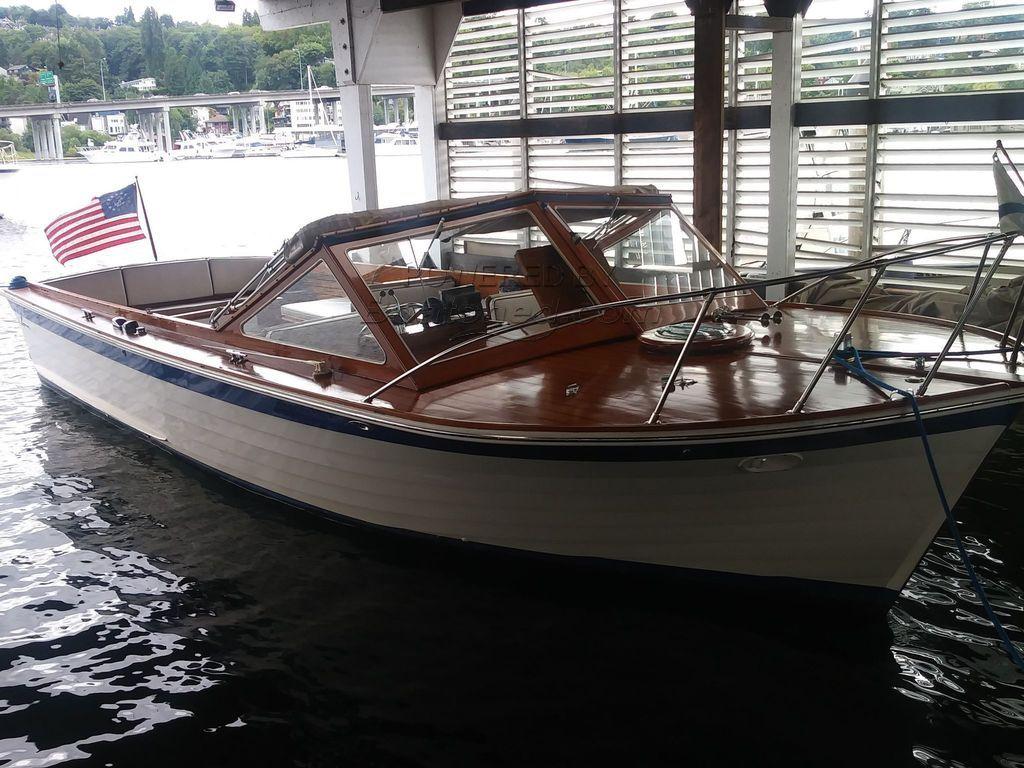 Lyman 30' Express Picnic Boat