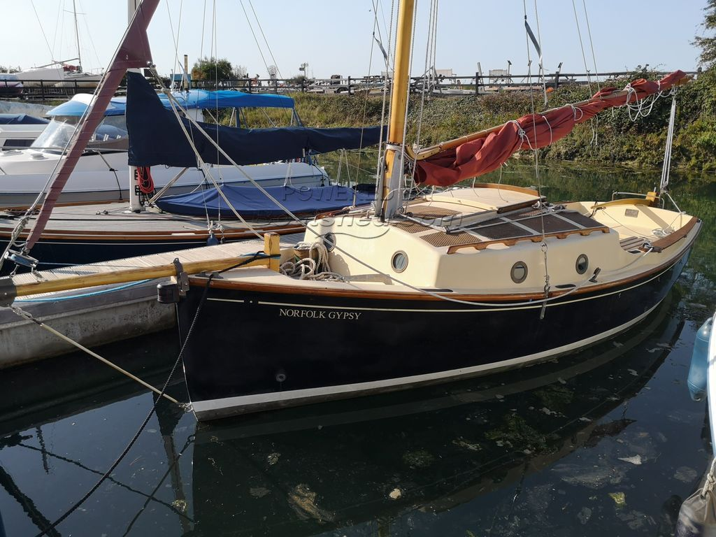 Norfolk Gypsy Lifting Keel